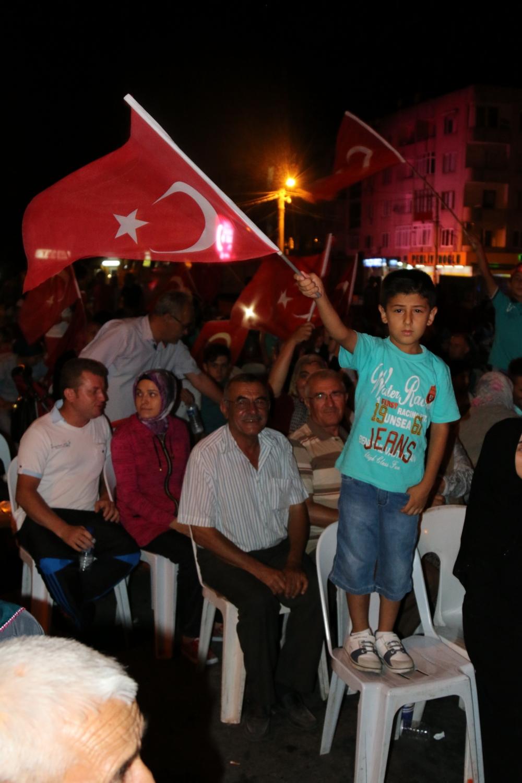 Akhisar demokrasi nöbeti 18. günü 42