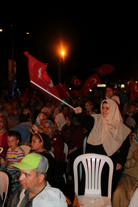 Akhisar demokrasi nöbeti 18. günü 43