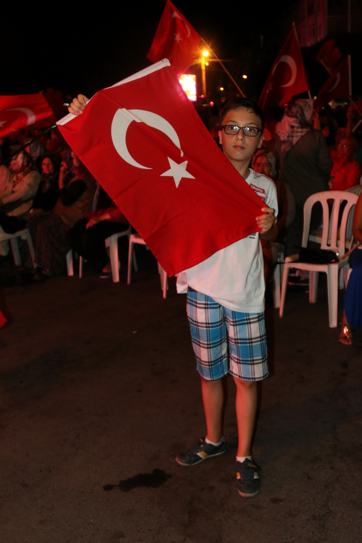 Akhisar demokrasi nöbeti 18. günü galerisi resim 48