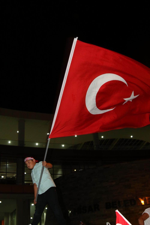 Akhisar demokrasi nöbeti 18. günü 50
