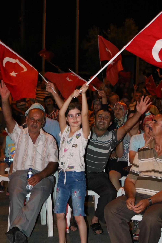 Akhisar demokrasi nöbeti 18. günü galerisi resim 9