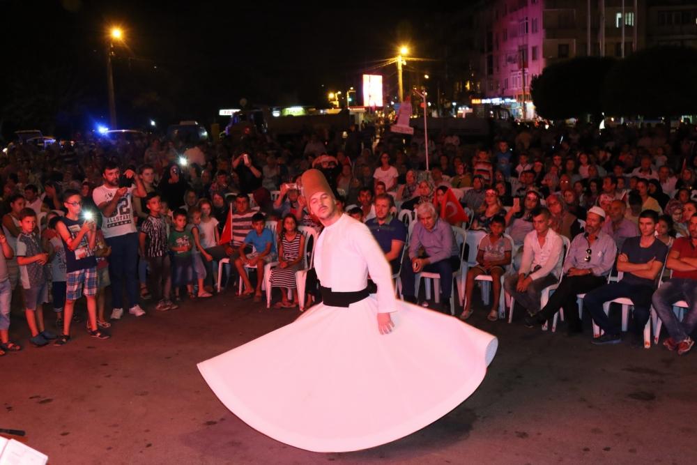 Akhisar'da demokrasi nöbetinin 19.günü 12