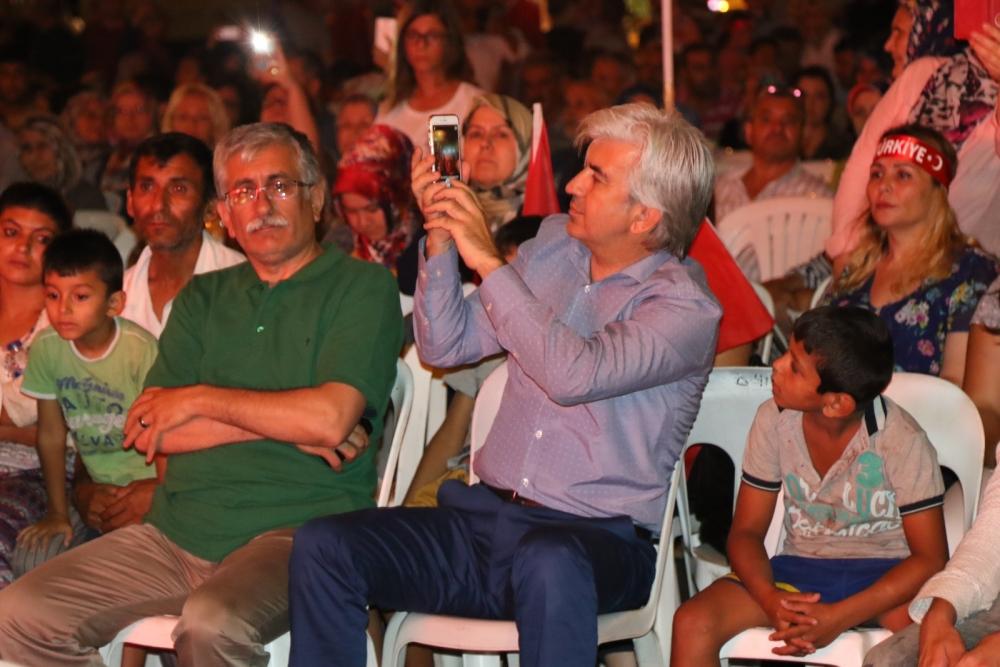 Akhisar'da demokrasi nöbetinin 19.günü 14