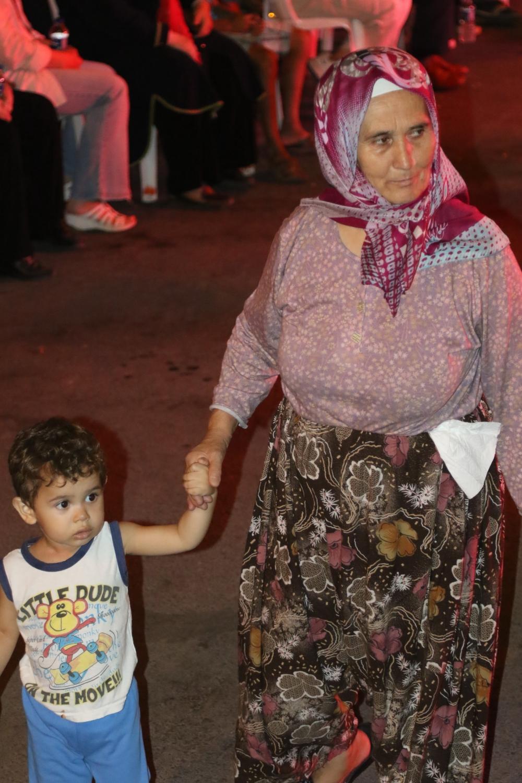 Akhisar'da demokrasi nöbetinin 19.günü 18