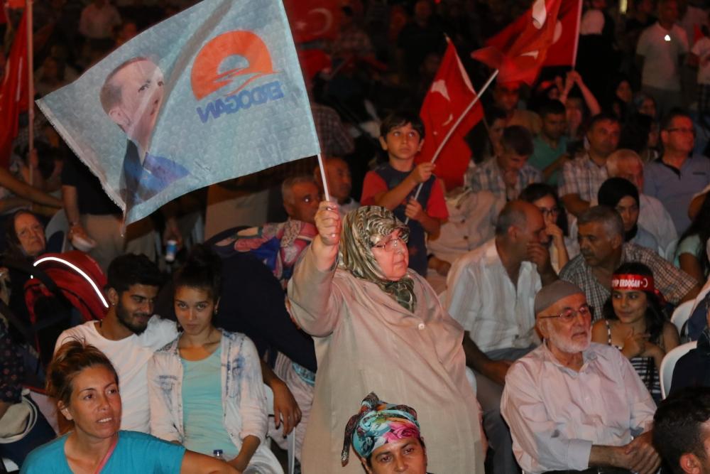 Akhisar'da demokrasi nöbetinin 19.günü 19