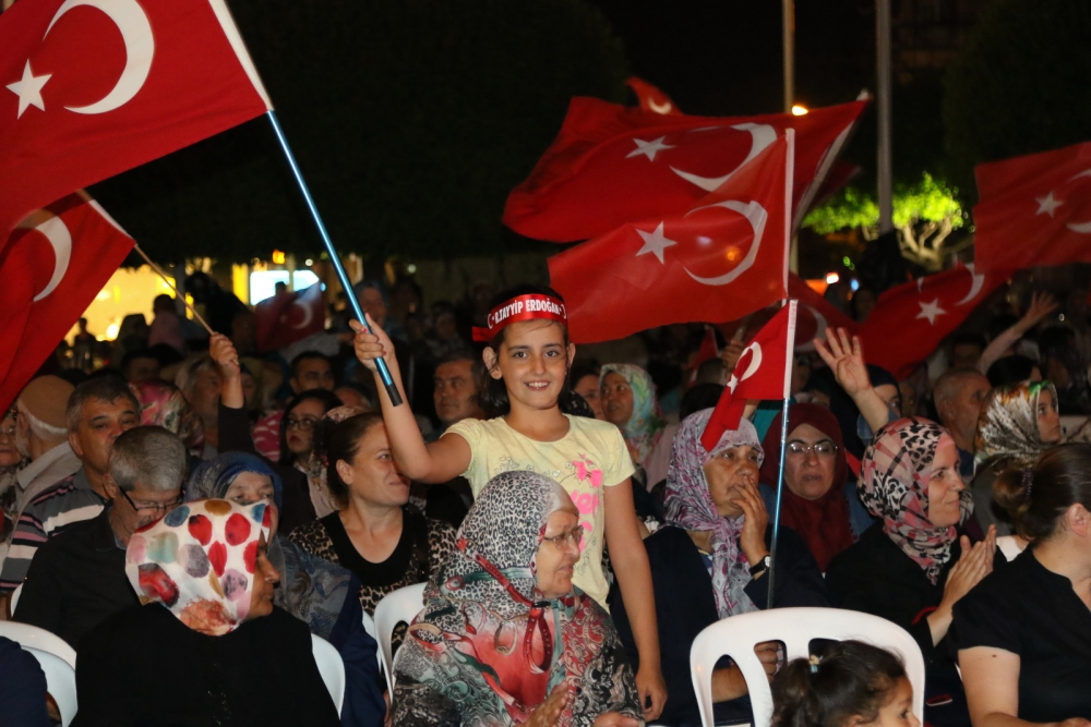 Akhisar'da demokrasi nöbetinin 19.günü galerisi resim 2