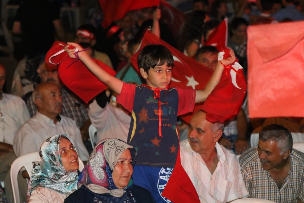 Akhisar'da demokrasi nöbetinin 19.günü 28