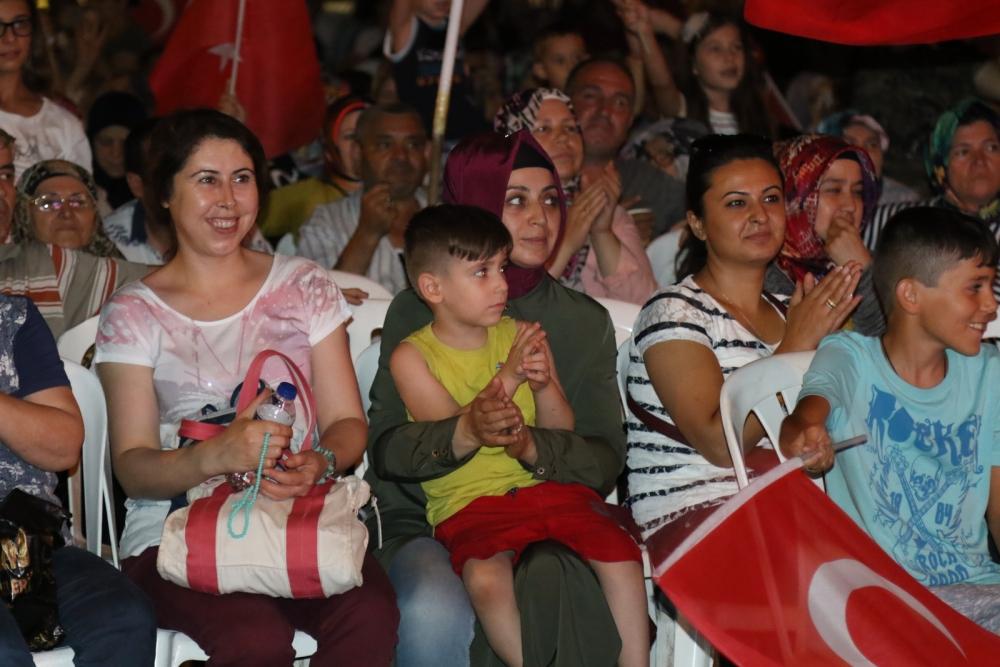 Akhisar'da demokrasi nöbetinin 19.günü 3