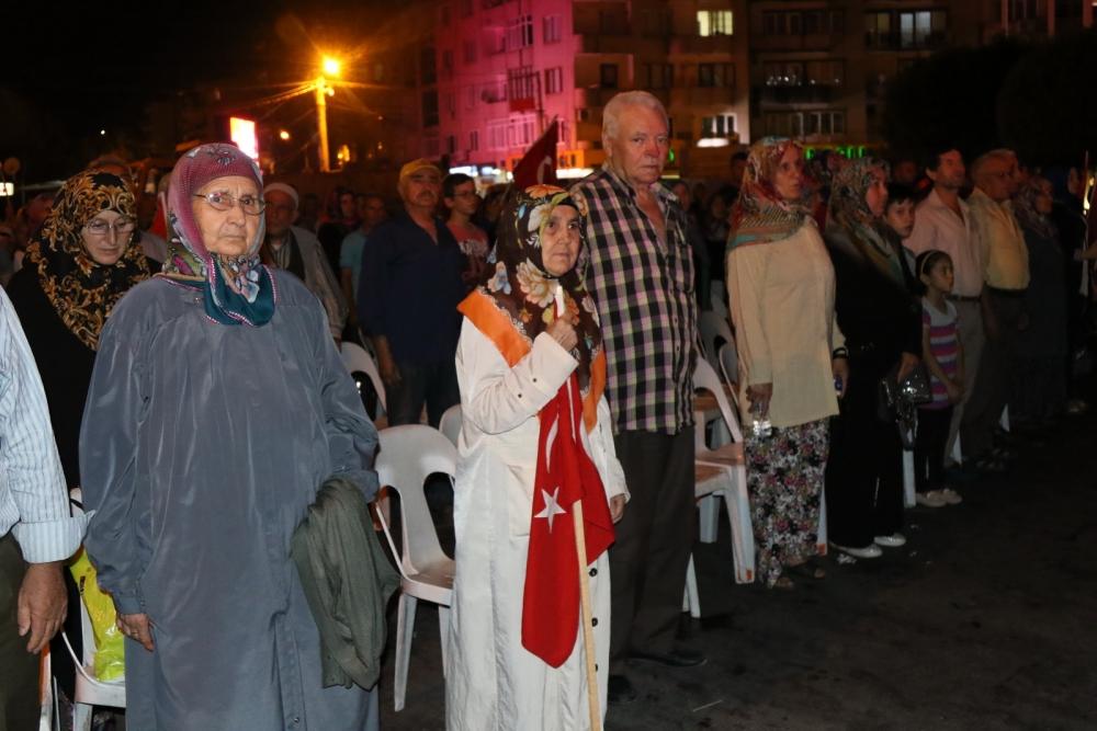 Akhisar'da demokrasi nöbetinin 19.günü 30