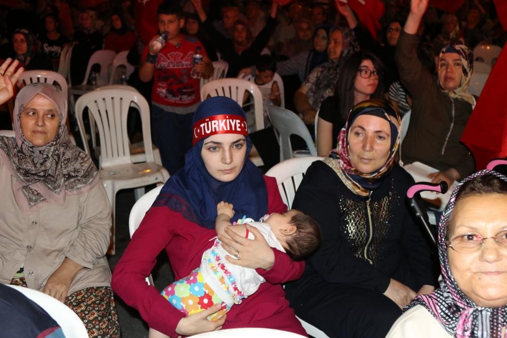 Akhisar'da demokrasi nöbetinin 19.günü 32