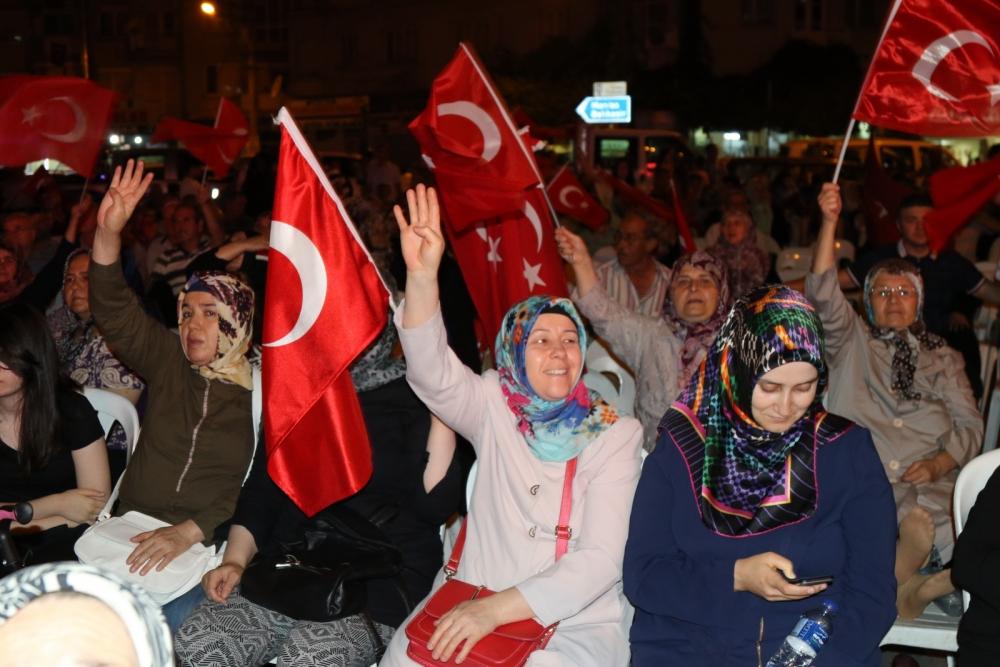 Akhisar'da demokrasi nöbetinin 19.günü 33