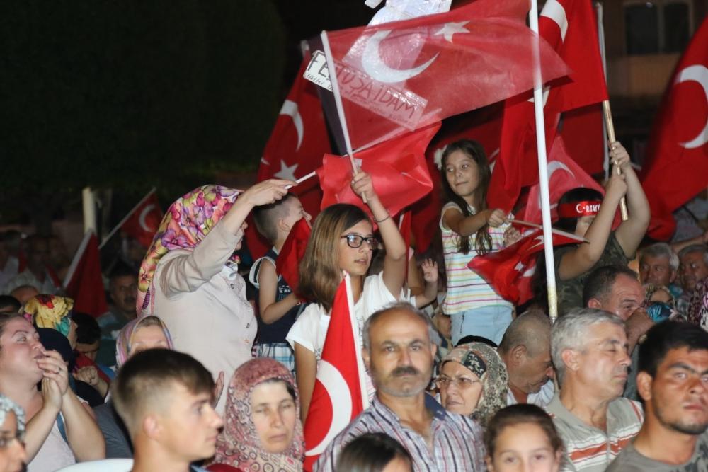 Akhisar'da demokrasi nöbetinin 19.günü 9
