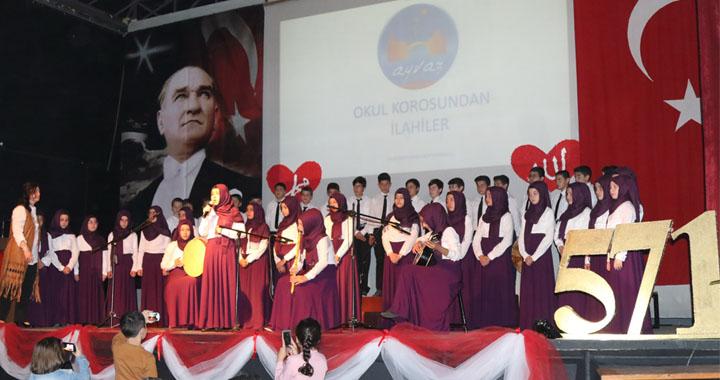 Ayvaz Dede İmam Hatip Ortaokulu'ndan Kutlu Doğum Haftası