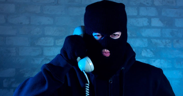 Telefon dolandırıcları yakayı ele verdi
