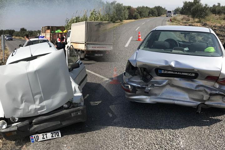 Hastaneye giderken kaza geçirdi