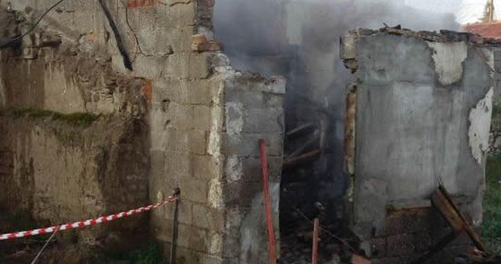 Akhisar'da Yangın! 1 kişi hayatını kaybetti