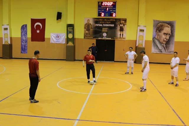 Satır Mustafa ve Taksi Zeki Futsal Turnuvası çeyrek finalistler belli oldu