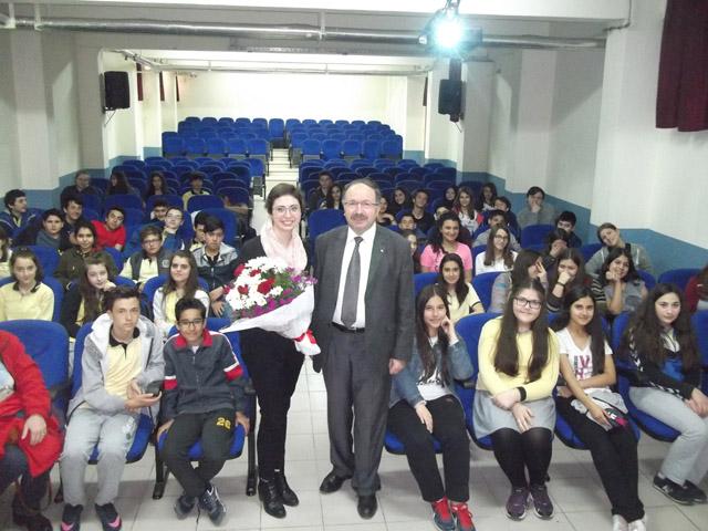 Akhisarlı uzman psikologdan Altı Eylül öğrencilerine seminer