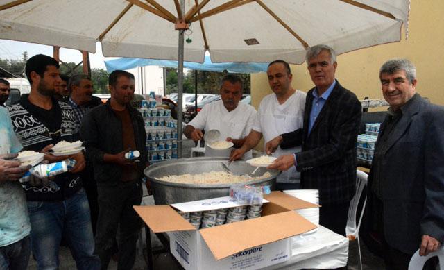 Madeni Sanatkârlar Üyeleri ve şehitler için pilav hayrı yaptı