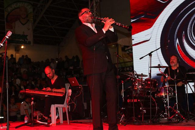 Hüsnü Şenlendirici Çağlak Festivali'nde Akhisarlıları coşturdu