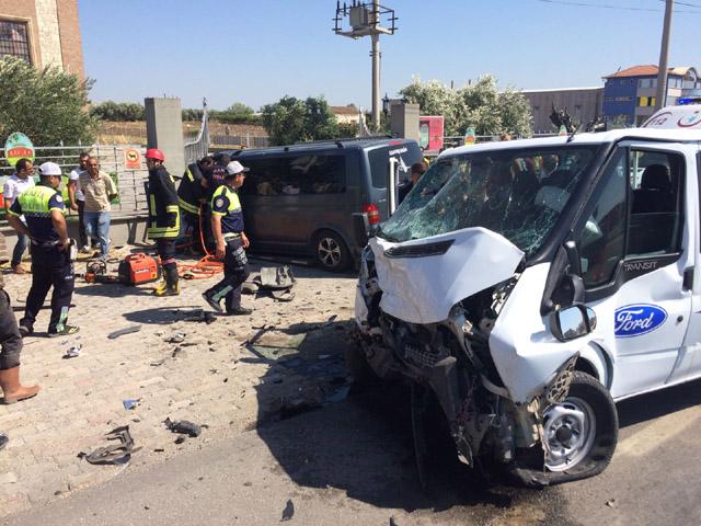 Akhisar'daki feci kazada baba-oğul hayatlarını kaybetti!