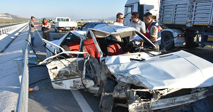 Akhisar'da kaza 1'i ağır 4 yaralı