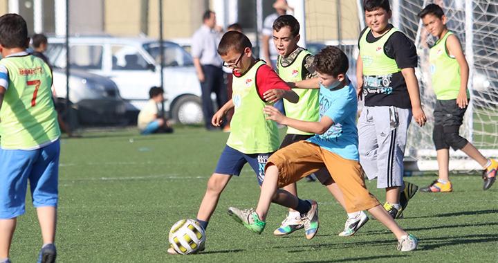 15 Temmuz şehitleri futbol turnuvası şampiyonu Çiçekli Camii oldu
