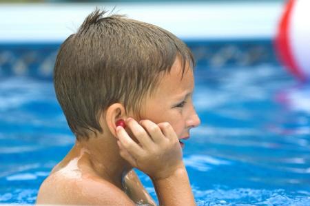 Yüzerken kulağınıza kaçan suyu nasıl boşaltırsınız?