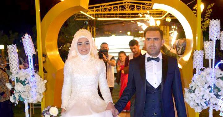Mehmet ile Hatice dünya evine girdi