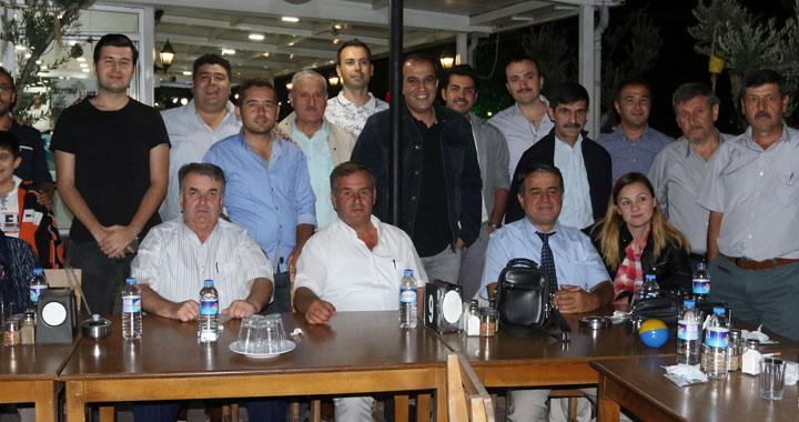 PTT çalışanları veda yemeğinde buluştu