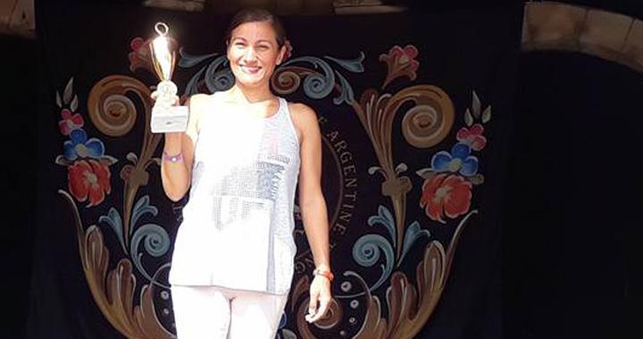 Akhisarlı yoga eğitmeni Ayşe Gönül Antalya'da ödül aldı