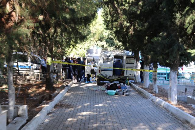 Akhisar'da Babasının mezarı başında ölü bulundu