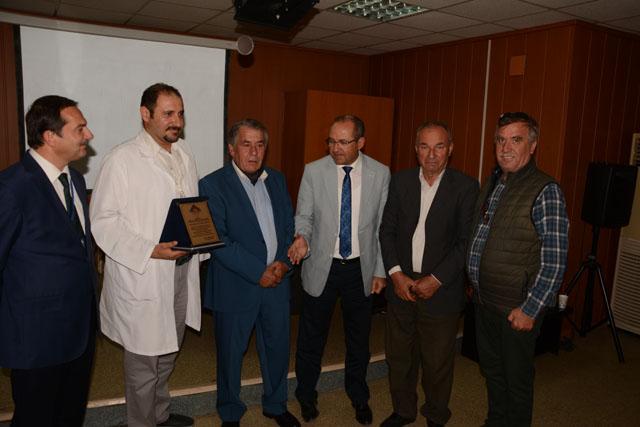 Üroloji Uzmanı Kubilay Kılınç, Akhisar'da yılın doktoru seçildi