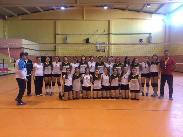 Cumhuriyet Bayramı 94.yıl genç kızlar voleybol şampiyonu Kız Meslek oldu