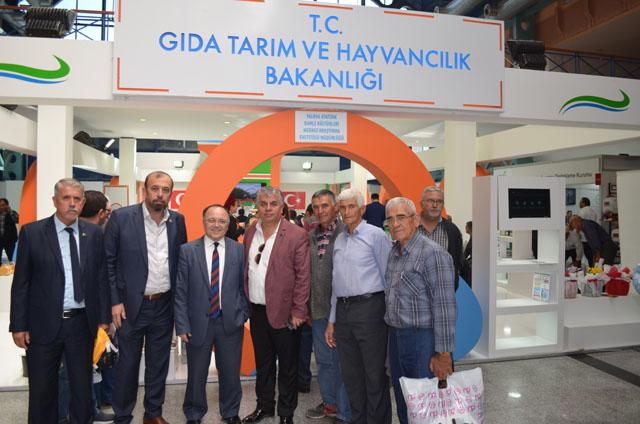 Akhisar Ziraat Odası üyeleriyle birlikte Bursa tarım fuarında