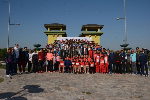 Öğrenciler Cumhuriyet Kupası için koştu