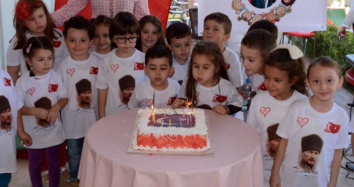Anasınıfı öğrencilerinden Cumhuriyet Bayramı kutlaması
