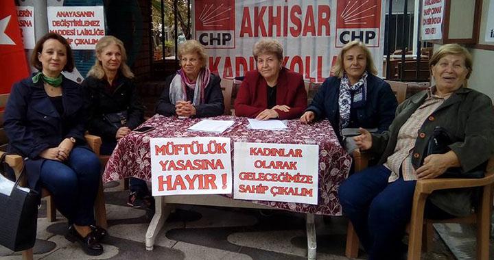 Akhisar CHP Kadın Kollarından müftü nikahı protestosu