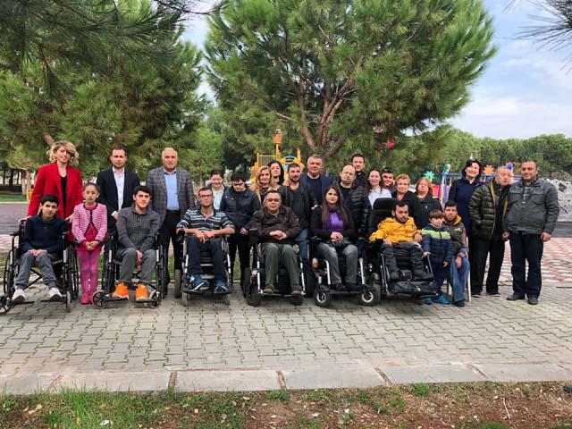 Akhisar'daki engelli dernekleri kahvaltıda buluştu