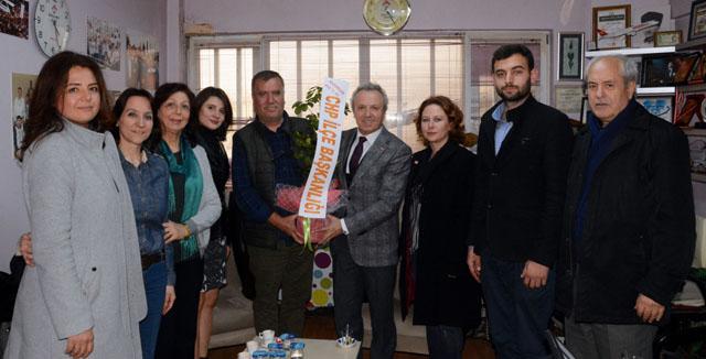 CHP, Gazeteciler Gününü kutladı