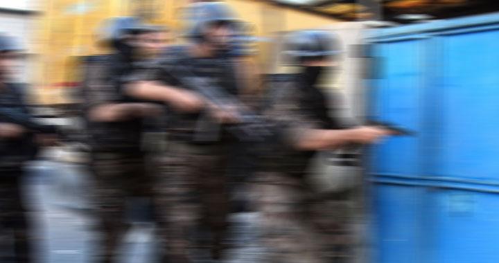 Aralarında Akhisar'ında bulunduğu 15 adrese uyuşturucu operasyonu