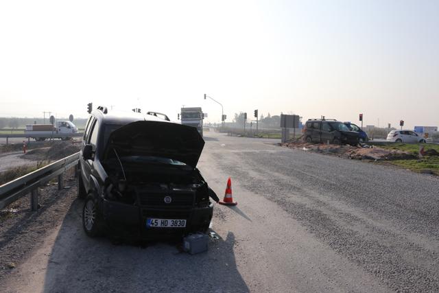 Akhisar'da trafik kazası; 5 kişi yaralandı!