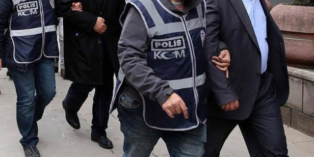 Akhisar'da FETÖ/PDY operasyonu; 4 kişi tutuklandı