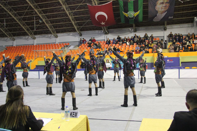 Halk Oyunları Yarışması il birinciliği ilk kez Akhisar'da yapıldı