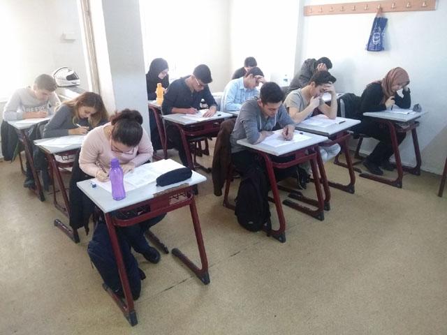 Bursluluk sınavında Özel Merkez Lisesi doldu taştı