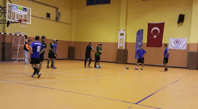 Hüseyin Çeçen ve Armağan Özeş Futsal turnuvasında yarı finalistler belli oluyor