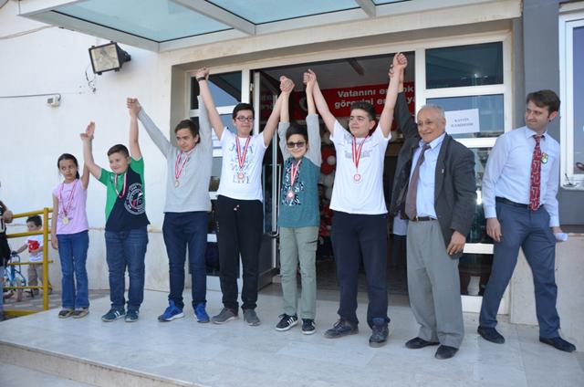 23 Nisan Satranç Turnuvasına Hüseyin Alhatoğlu İlkokulu ev sahipliği yaptı