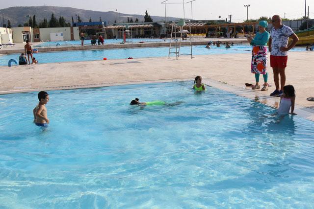 Akhisar'da engelliler yüzme kursundan tam not aldı