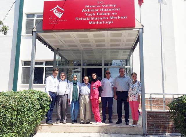 Özel Akhisar Hastanesi'nden Huzurevine ziyaret