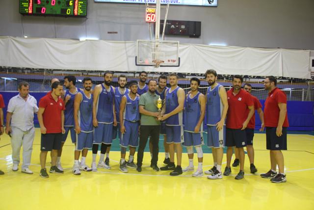 Akhisar turnuvasının şampiyonu Yalova Belediye oldu